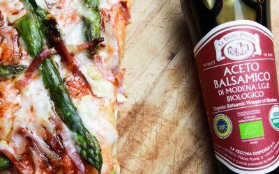 Pizza con Asparagi, Speck e Aceto Balsamico Bio